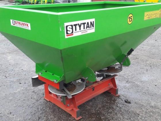 Разбрасыватель минеральных удобрений STRUMYK Tytan 800