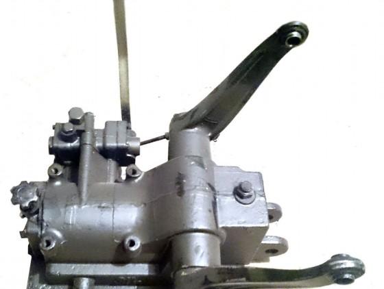 Гидробак (Гидравлический бак) с гильзой вместо блока масляного цилиндра